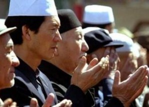Doğu Türkistan'da çile bitmek bilmiyor
