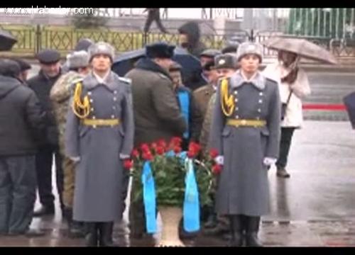 kazakistan-da-jeltoksan-kurbanlari-anildi-5429720_o