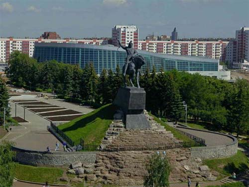 The-monument-to-Salavat-Yulaev1